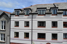 £90,000 - 2 Bedroom Third Floor Apartment For Sale in Launceston area – click for details
