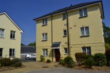 SSTC - £100,000 - 2 Bedroom Second Floor Apartment For Sale in Launceston area – click for details